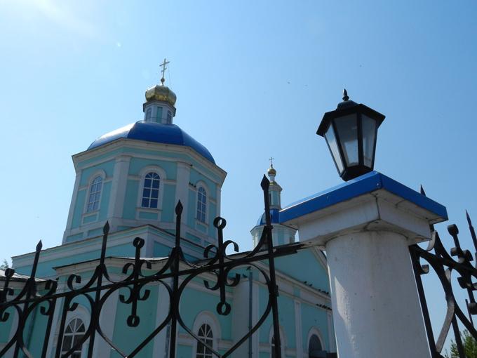 Успенский собор, вид сбоку.jpg